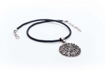 Посребрен медальон КН-0301002020