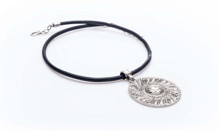 Посребрен медальон КН-0301002023
