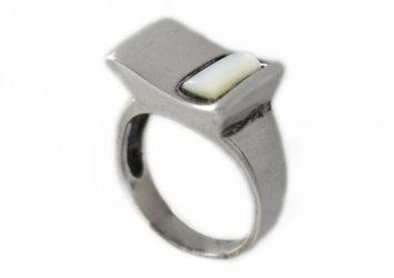 Сребърен пръстен със седеф R30Б