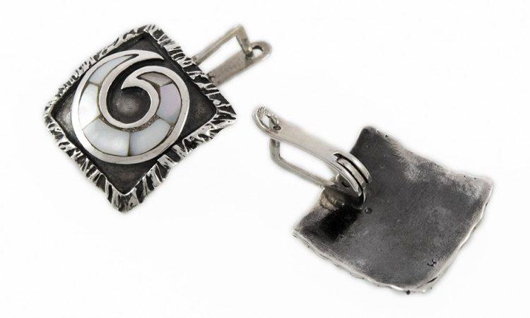 Сребърни обеци с бял седеф E70