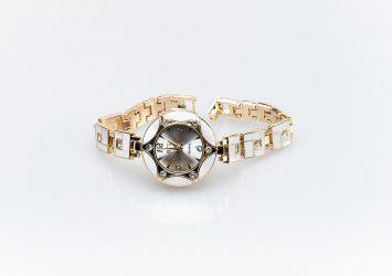 Дамски часовник КН-1001000458